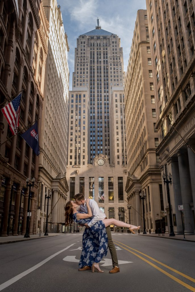 Erin and Ben engagement photos at Chicago Board of Trade Building (Photo taken by Studio Soo)